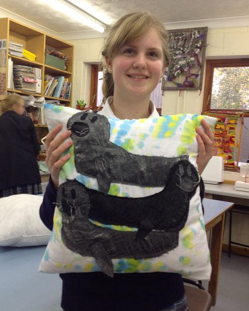 Year-8-textiles-cushions6