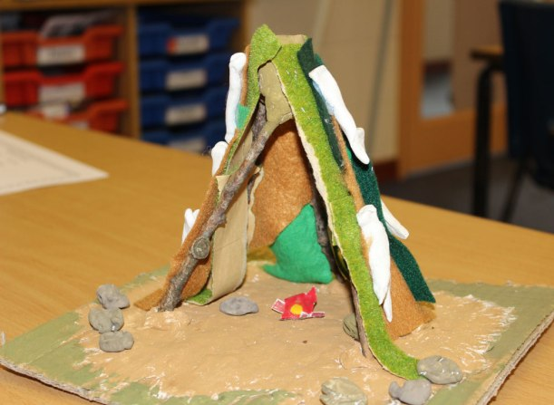 Year-5-stoneage-sculptures3