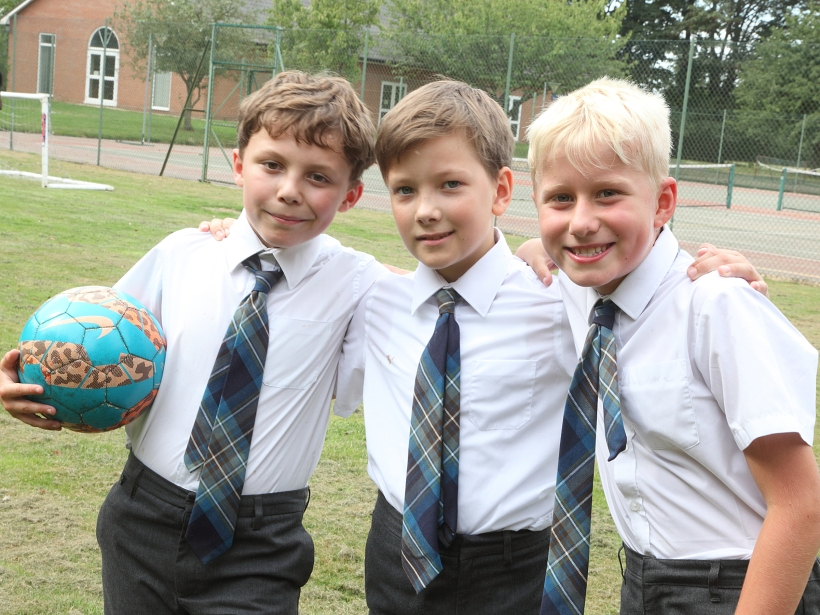 boys-with-football2
